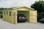 garaż drewniany z drewnianymi drzwiami