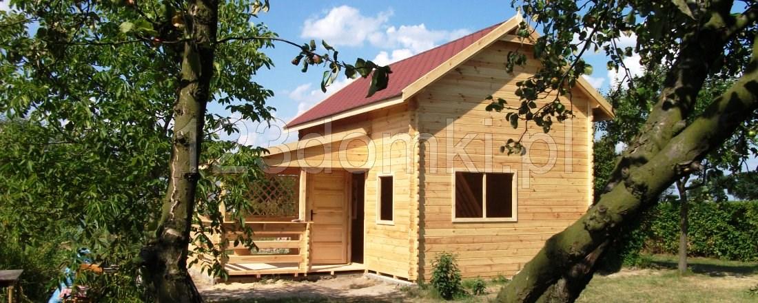 Domek drewniany Piotr-64 z poddaszem